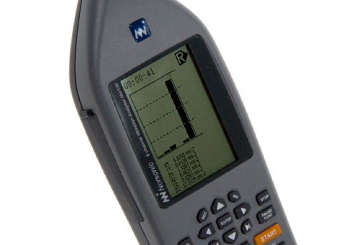 Vibration meters Nor133 and Nor136 are designed in accordance with ISO 8041